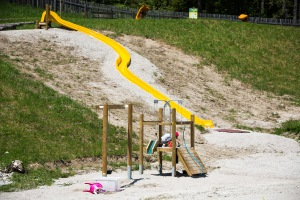 Wakealps Spielplatz Hangrutsche © mariazellerland-blog.at
