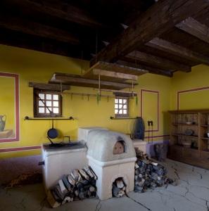 Rekonstruktion römischer Ofen Archäologischer Park Carnuntum (© BDA Foto Bettina Neubauer)
